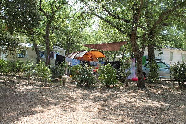 Holiday house Camping Domaine des Chênes Blancs - Mh Confort Plus 2Ch 5pers + Terrasse Couverte (2256765), Saint Saturnin lès Apt, Vaucluse, Provence - Alps - Côte d'Azur, France, picture 11
