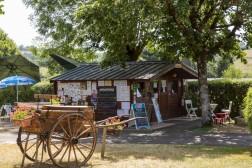 Location vacances Tauves - Camping les Aurandeix - Chalet - 2 personnes - Photo N°1