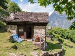 Location vacances Semione - Maison - 2 personnes - 2 pièces - 1 chambre - Photo N°1