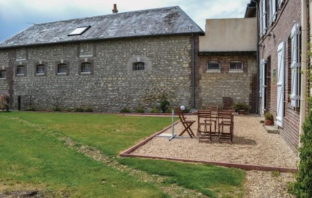 Trie ch teau maison 6 personnes ref 364537 for Piscine trie chateau