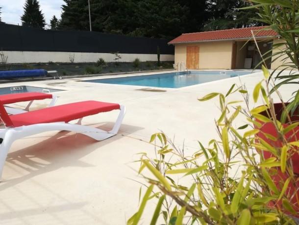 Saint bonnet le ch teau 42 annonce location vacances for Piscine mobile louer