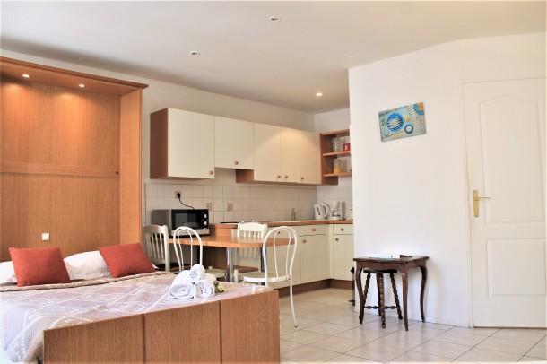 Holiday apartment Central Studio with 2 Double Beds (2557606), Cannes la Bocca, Côte d'Azur, Provence - Alps - Côte d'Azur, France, picture 7