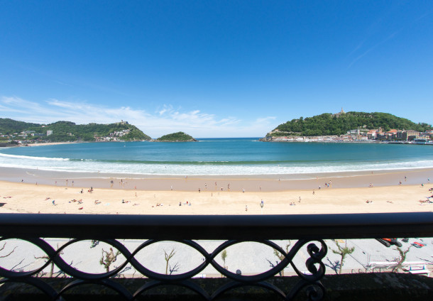 Ferienwohnung 020 / PLAYA CONCHA, with sea views (2631367), Donostia, Costa Vasca, Baskenland, Spanien, Bild 1