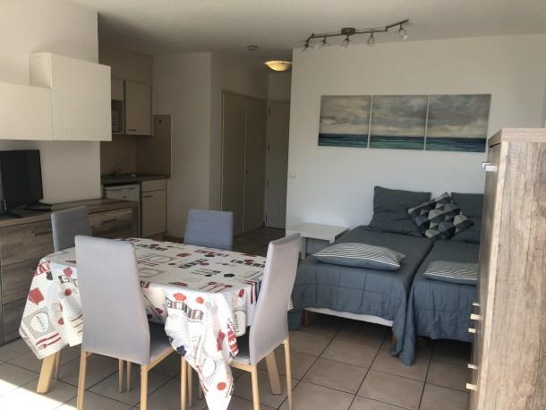 Holiday apartment appartement 2 personnes (2675489), Saint Raphaël, Côte d'Azur, Provence - Alps - Côte d'Azur, France, picture 2
