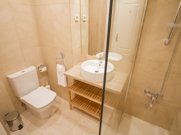 Ferienwohnung UD Apartments - Atocha Stylish with Pool (2789764), Madrid (Stadt), , Madrid, Spanien, Bild 11