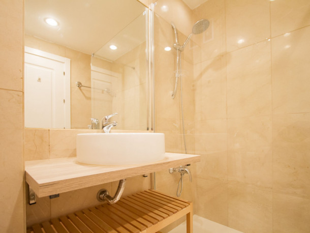 Ferienwohnung UD Apartments - Atocha Stylish with Pool (2789692), Madrid (Stadt), , Madrid, Spanien, Bild 10