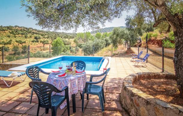 Location prestige avec piscine priv e villanueva del rey for Villanueva del rey