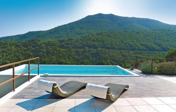 location prestige avec piscine priv e saint nazaire de. Black Bedroom Furniture Sets. Home Design Ideas