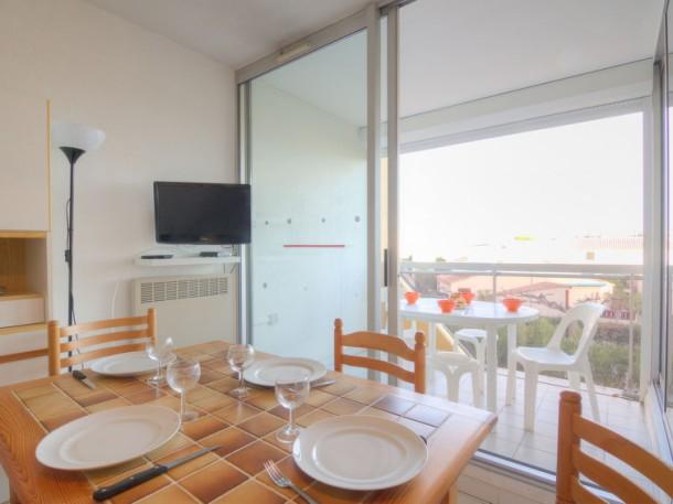 r sidence voiles d 39 or le grau du roi appartement 4 personnes ref 184758. Black Bedroom Furniture Sets. Home Design Ideas