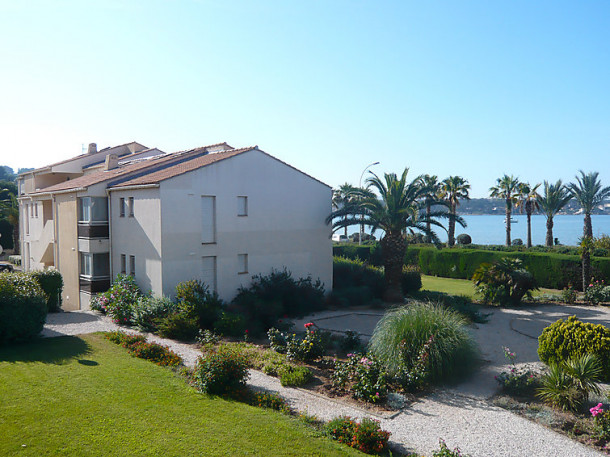 La plage dor e sanary sur mer appartement 4 personnes ref 186480 - Location garage sanary sur mer ...