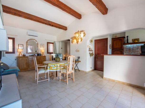 villa wilhem cavalaire sur mer maison 4 personnes ref 186549. Black Bedroom Furniture Sets. Home Design Ideas