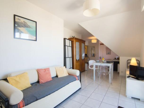 appartement aillerie dinard appartement 3 personnes. Black Bedroom Furniture Sets. Home Design Ideas