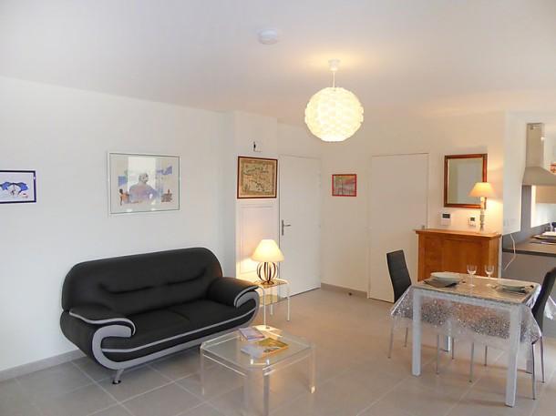 les all es du port saint malo appartement 2 personnes ref 271640. Black Bedroom Furniture Sets. Home Design Ideas