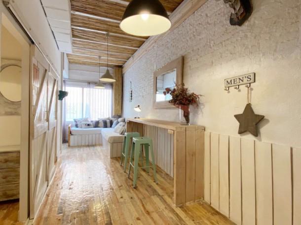 casa azul barcelone poble nou maison 8 personnes ref 280779. Black Bedroom Furniture Sets. Home Design Ideas