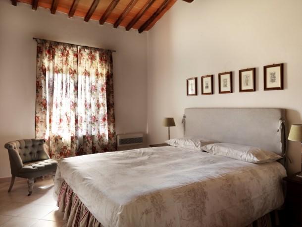 Piettorri rosa casole d 39 elsa apartment 2 people ref for Schedule j bedroom description