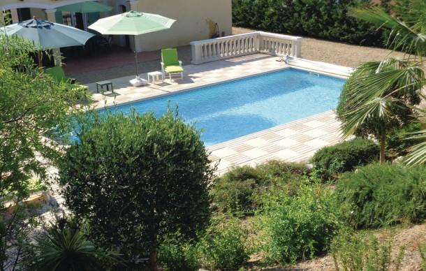 Location prestige avec piscine priv e roquebrune sur for Piscine roquebrune sur argens