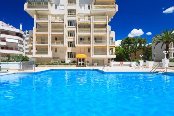s1d4 uhc uhc novelty apartments salou appartement 4 personnes ref 304280. Black Bedroom Furniture Sets. Home Design Ideas