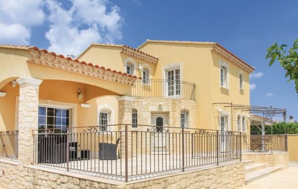 Maison a louer dans le gard avec piscine ventana blog for Maison prestige a louer