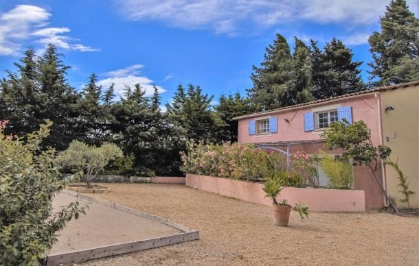 Location prestige avec piscine privée lançon provence huis
