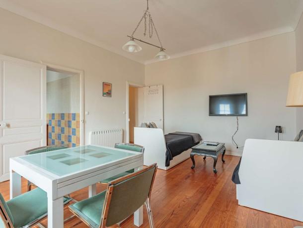 appartement 4 personnes hendaye appartement 4 personnes ref 362733. Black Bedroom Furniture Sets. Home Design Ideas
