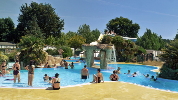 Camping le rosnual 4 location disponible carnac - Camping carnac avec piscine couverte ...