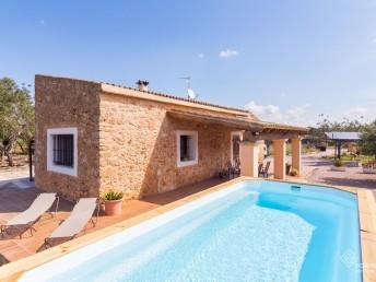 Locations vacances - Santa Eugenia - Villa - 4 personnes - Photo N°1