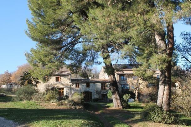 Le g te rural de bergnes l 39 ombre des grands pins for El jardin de l abadessa