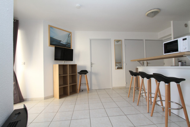 2 Bedrooms Apartment With Parking And Swimming Pool Canet En Roussillon Appartement 5 Personnes