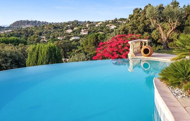 mas des oliviers cavalaire sur mer maison 10 personnes ref 63240. Black Bedroom Furniture Sets. Home Design Ideas