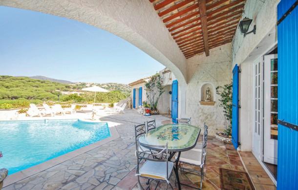 Location prestige avec piscine priv e sainte maxime for Piscine ste maxime
