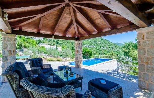 Location prestige avec piscine priv e mrcevo maison 4 for Chambre red wine
