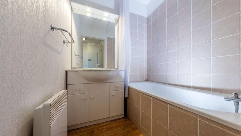 Vente Privee Residence Le Pra Palier 3 Salle De Bain Avec Douche Ou Baignoire