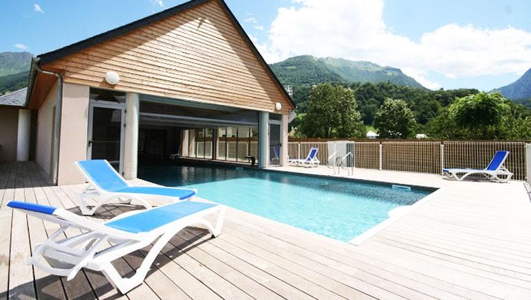 R sidence le domaine du val de roland 3 vente priv e for Residence piscine couverte