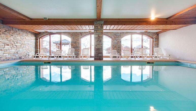 R sidence les chalets de l 39 adonis 4 vente priv e jusqu for Residence piscine couverte