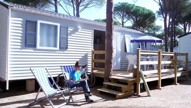 Vente privée Camping El Pla de Mar 4* – Votre mobil-home avec salon de jardin