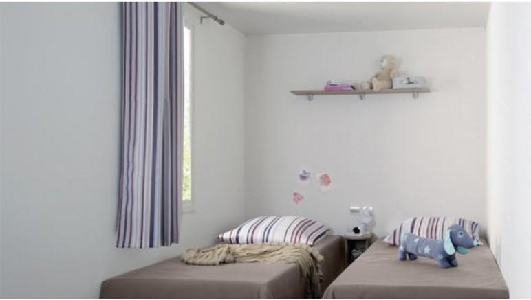 Vente privée Camping 4* Atlantique – Chambre avec lits simples