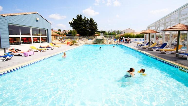 Vente privée Camping 4* Les Pirons – Accès gratuit à l'espace aquatique extérieur