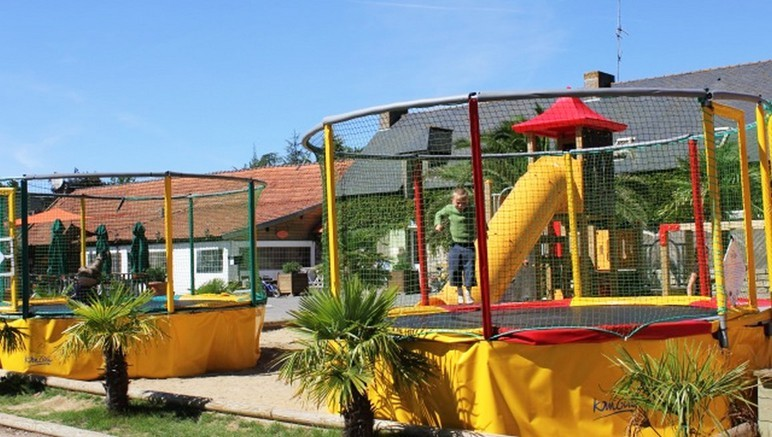 Vente privée Camping 4* Le Domaine d'Inly – Aire de jeux pour les enfants