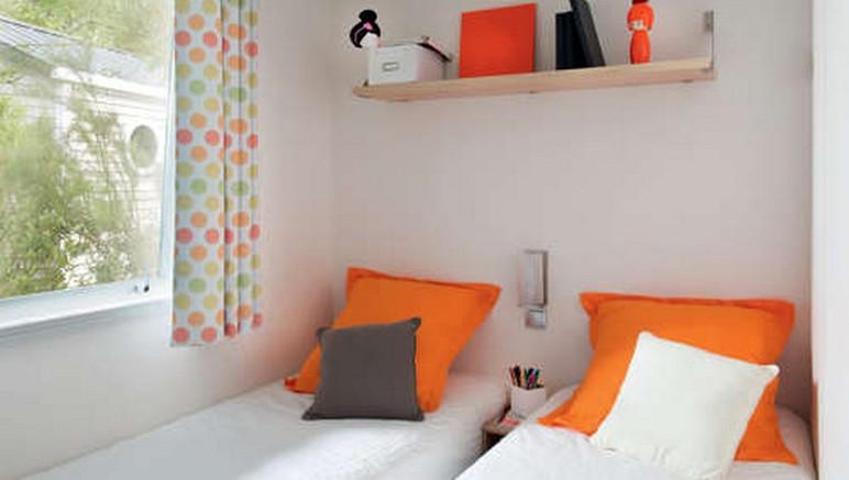 Vente privée Camping 4* Les Viviers – Chambre avec lits imples