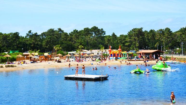 Vente privée Camping 4* Les Viviers – De nombreuses activités au plan d'eau avec plage de sable