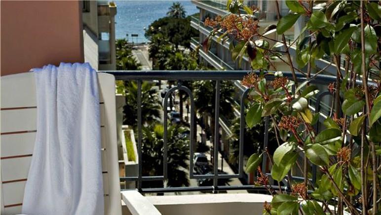 Vente privée Hôtel 3* Best Western Astoria – Profitez de l'agréable balcon pour admirer la mer ou la montagne