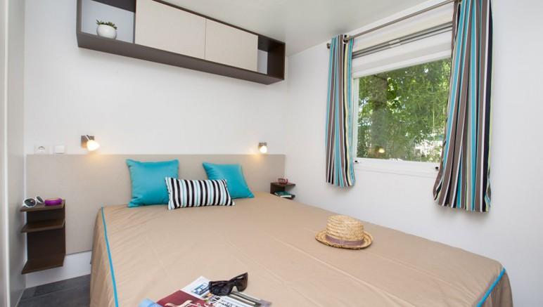 Vente privée Camping 5* Le Bois de Valmarie – Chambre avec lit double