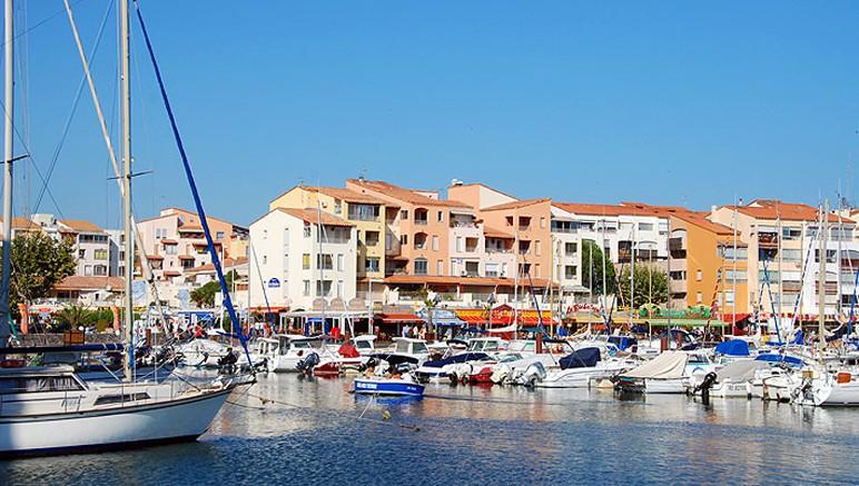 Vente privée Camping 4* Les Salisses – Le Cap d'Agde, son port et ses plages à 5 km