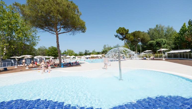 Vente privée Camping 3* Marina Village – Bienvenue au Camping 3* Marina Village, au coeur de la Toscane