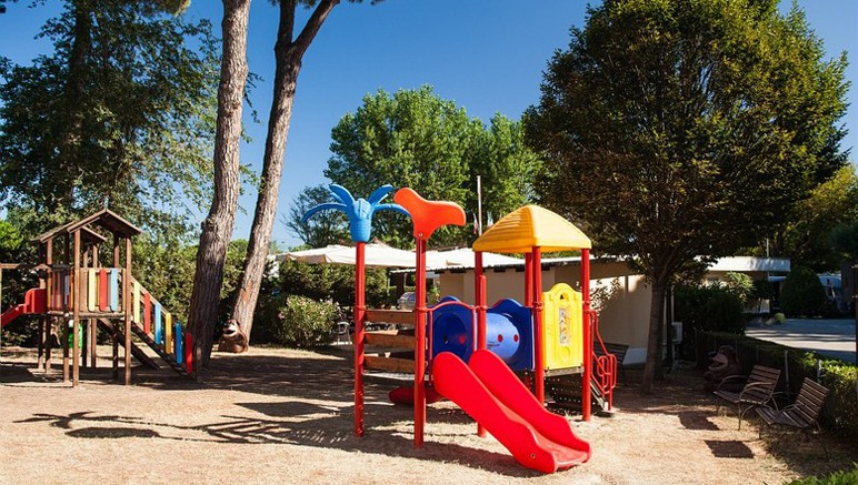 Vente privée Camping 3* Marina Village – Aire de jeux gratuite pour les enfants