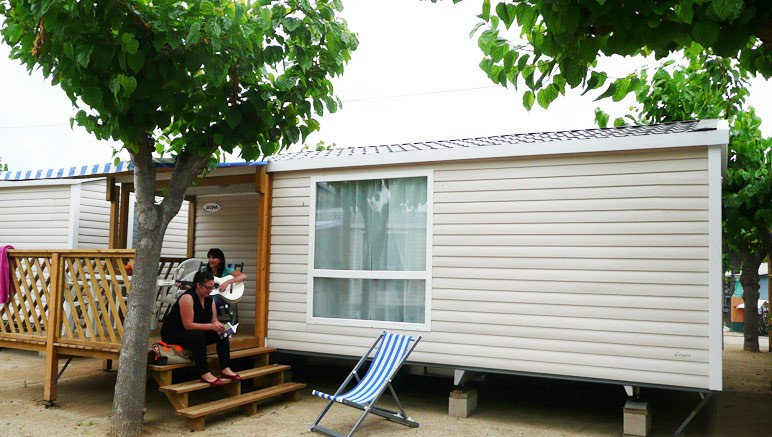 Vente privée Camping 5* Vilanova Park – Vous séjournerez dans un mobil-home moderne et tout équipé