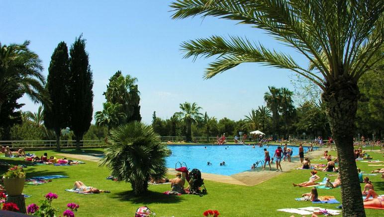 Vente privée Camping 5* Vilanova Park – ... Avec piscine extérieure et toboggans...