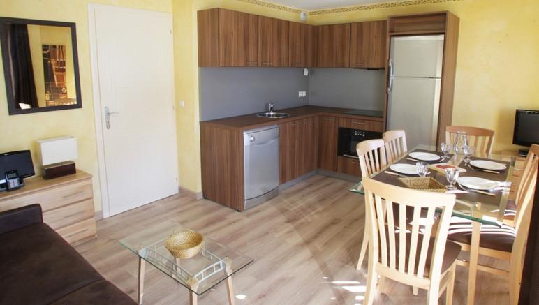Vente privée Résidence Les Terrasses d'Isola 3* – Cuisine entièrement équipée
