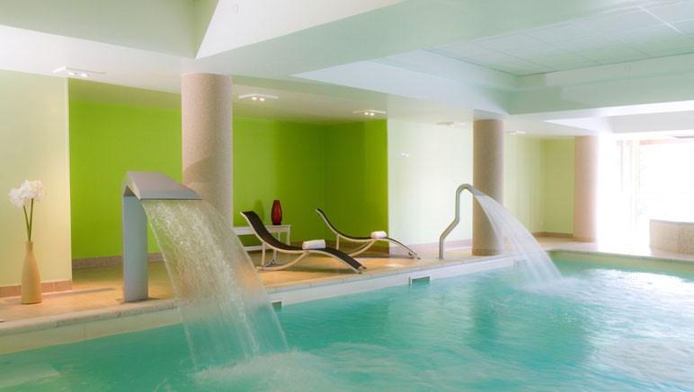 Vente privée Résidence Les Terrasses d'Isola 3* – Accès gratuit à la piscine couverte chauffée...