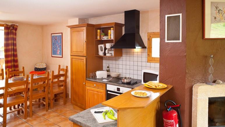 Vente privée Résidence Les Chalets et Lodges des Alpages – Cuisine ouverte entièrement équipée